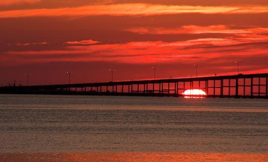 Pier 19 sunset spot